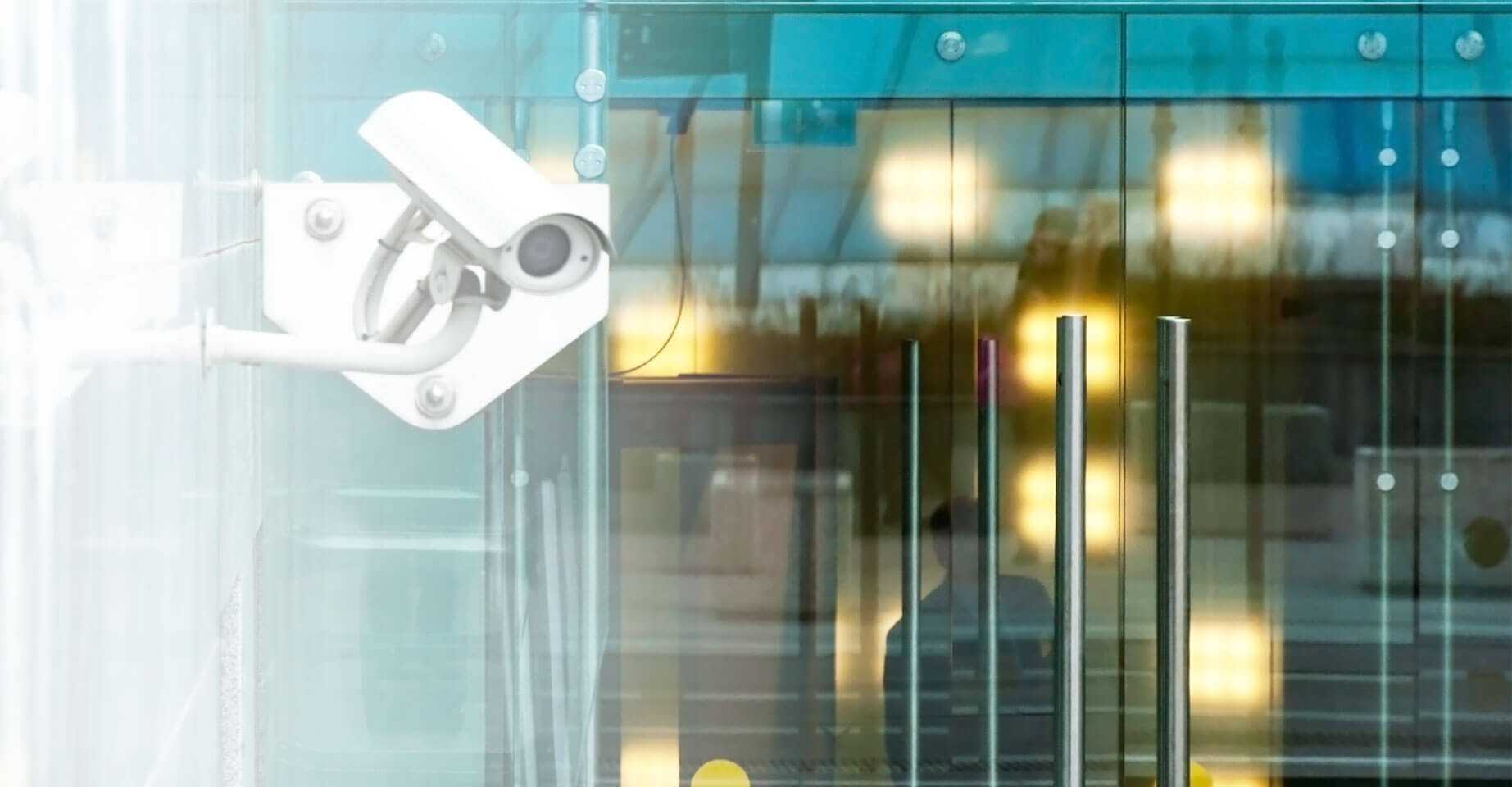 Delivering robust,<br> easy-to-use cloud video surveillance